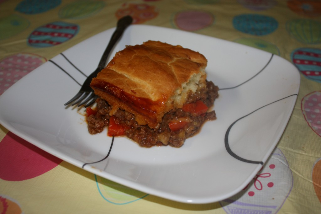 Love Sloppy Joes? Make this super simple Sloppy Joe Bake and watch it disappear. http://su.pr/1ZIjIq #recipe #kidfriendly