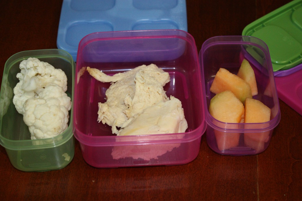 Packing Lunch is easier with Rubbermaid Lunchbox kits