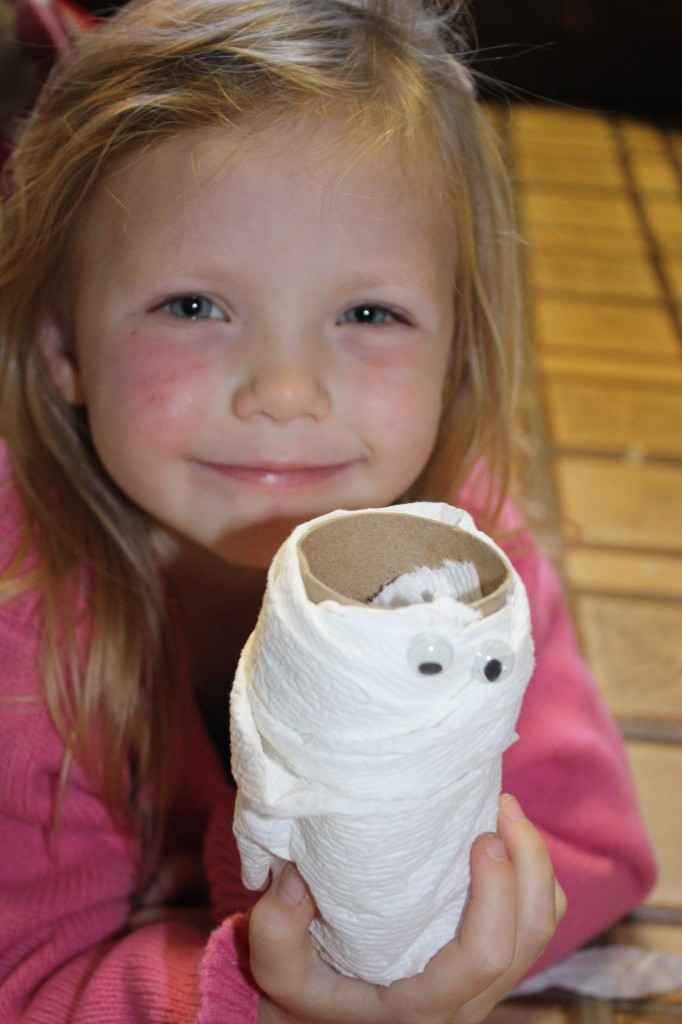 Easy Halloween Craft with toilet paper rolls- Mummies with Cottonelle Triple Roll