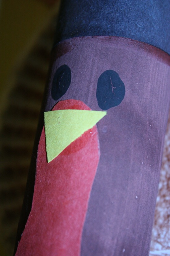 Want an Easy Thanksgiving Craft project for kids? Try this Thankful Toilet Paper Turkey. It is a simple way to teach kids thankfulness and get in the Thanksgiving spirit.