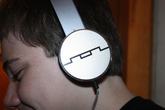 TRACKS HD On-Ear Headphones (V10)- up close