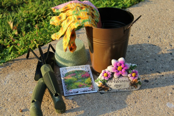 Making a cute craft for gardeners