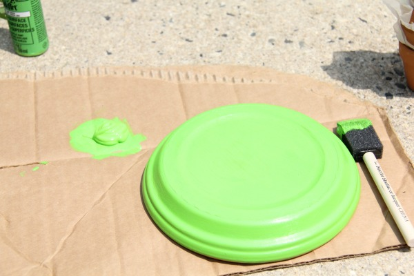 Paint the larger terra cotta base light green make a terra cotta turtle, making a decoration for the garden