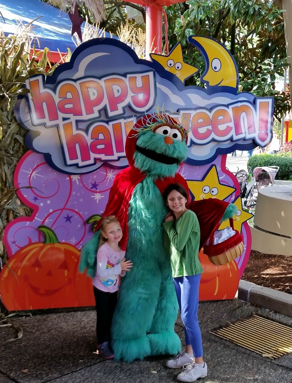 Happy Haloween with the Count's Spooktacular Event at Sesame Place