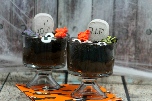 Want to make a Halloween dessert the kids will love? This graveyard pudding is great for a Halloween party or a spooky afternoon snack.