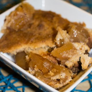 Looking for a recipe hack that makes life easier. Try this #6PackHack Simple Apple Cobbler Recipe that is only 3 ingredients. It's guaranteed to disappear.