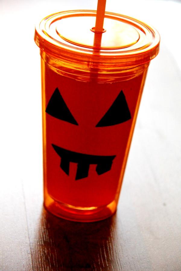 Pumpkin cup, Easy halloween craft, dollar store crafts, 6packhacks