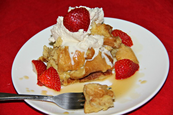 Looking for Make ahead breakfast perfect for Chistmas morning: Crockpot Eggnog French Toast is delicious and easy. Top it with Maple creme syrup.