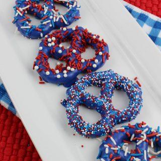 Patriotic Pretzels | Chocolate Covered Pretzels