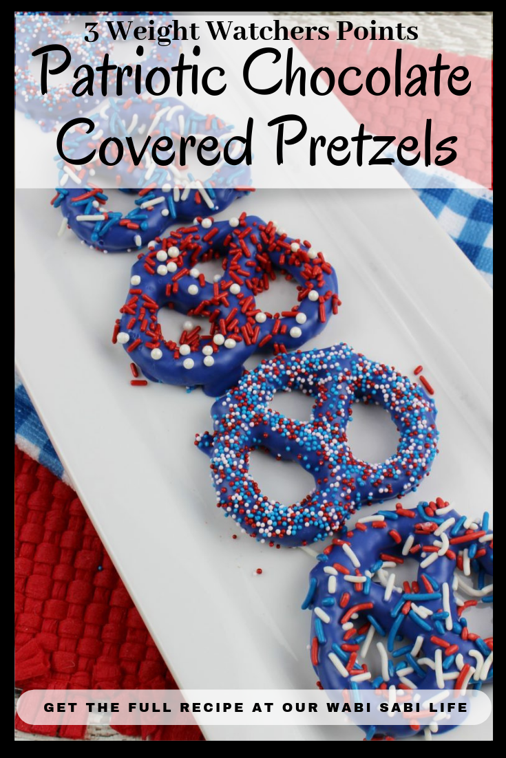 Looking for a fun chocolate covered pretzel recipe? These delicious chocolate covered pretzel idea is perfect for Memorial day and 4th of July.