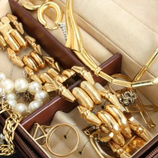 The Beginner's Guide to Everyday Jewelry