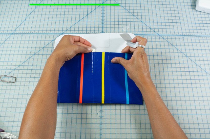 When it is time to get school supplies, it can be fun to make your own pencil case. This is a fun back to school craft that you can make with the kids.