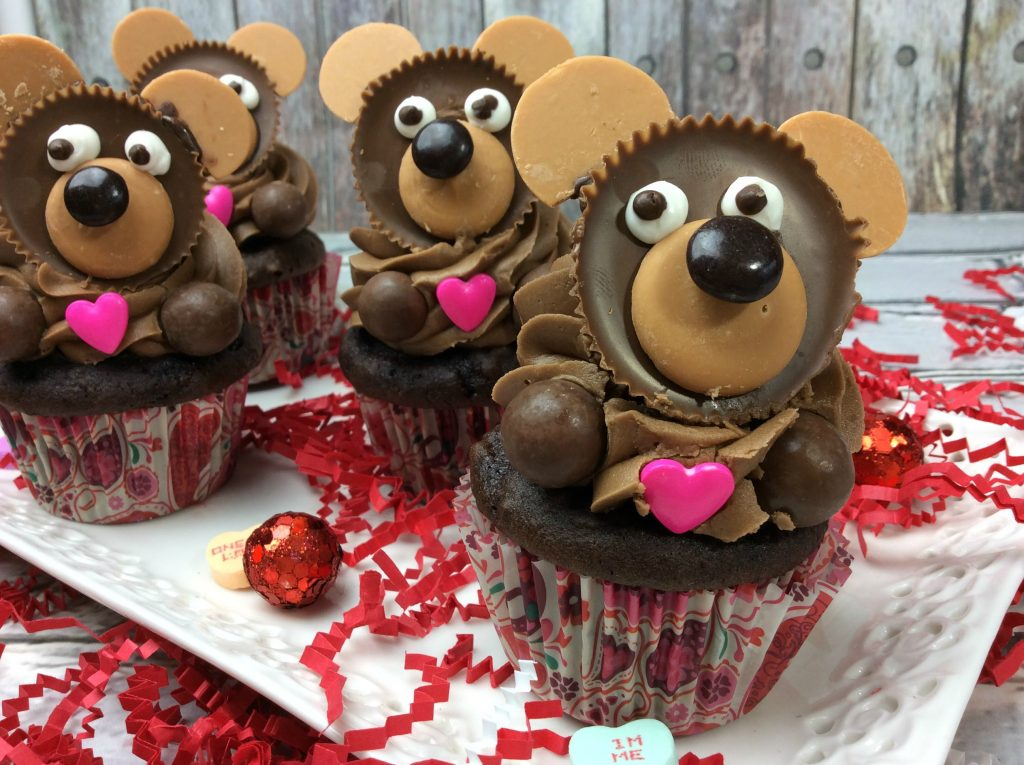 Teddy Bear cupcakes for a teddy bear picnic. Create cute teddy bears on top of cupcakes. A fun treat for any occasion