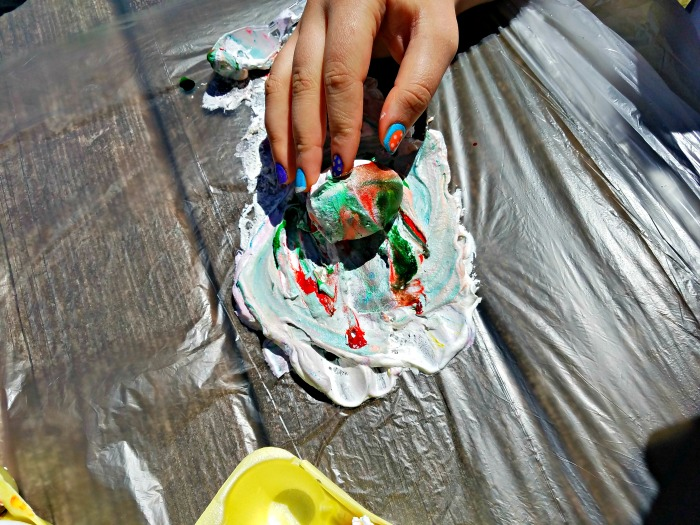 Do your kids love to dye Easter Eggs. Here is a simple and fun way to make tie dye Easter eggs. Dye Eggs with whipped cream