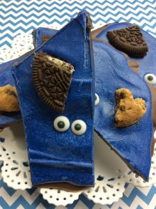 Who doesn't love cookie monster These tasty cookie monster bark dessert are so good that kids and kids at heart will love it