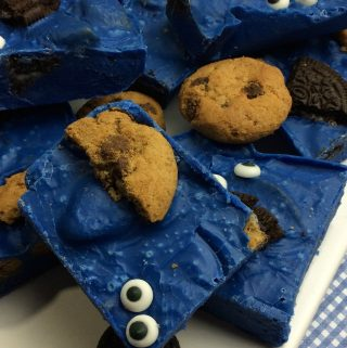 Want a Cookie Monster treat that will anyone over This Cookie Monster fudge is easy to make, tastes amazing and is the perfect Cookie Monster treat