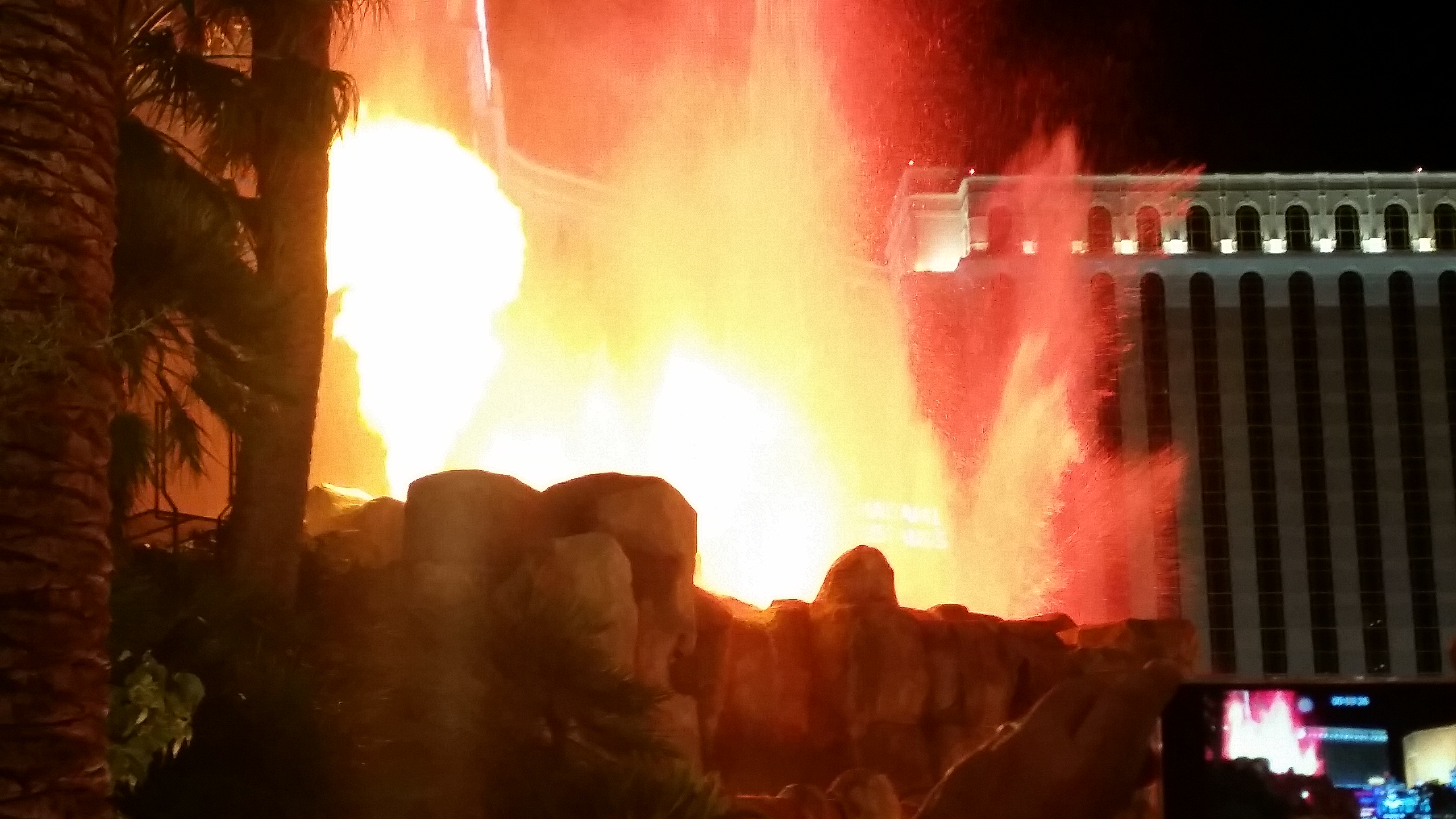 Looking for free things to do in Las Vegas. You have to see the Volcano erupt at the Mirage