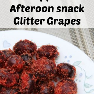 Kids are always hungry but you want them to eat something healthy. Try these kid approved snacks as a way to fill their belly. Glitter grapes, easy to make.