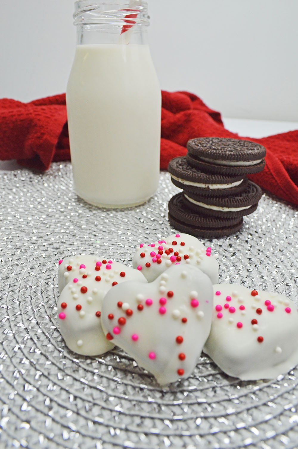 This Heart Truffles recipe looks great and taste Oh-So-Good. This is one of those dessert recipes that looks like you have gone out of your way to make something special, but these heart truffles do not take long at all to make and they are surprisingly easy.