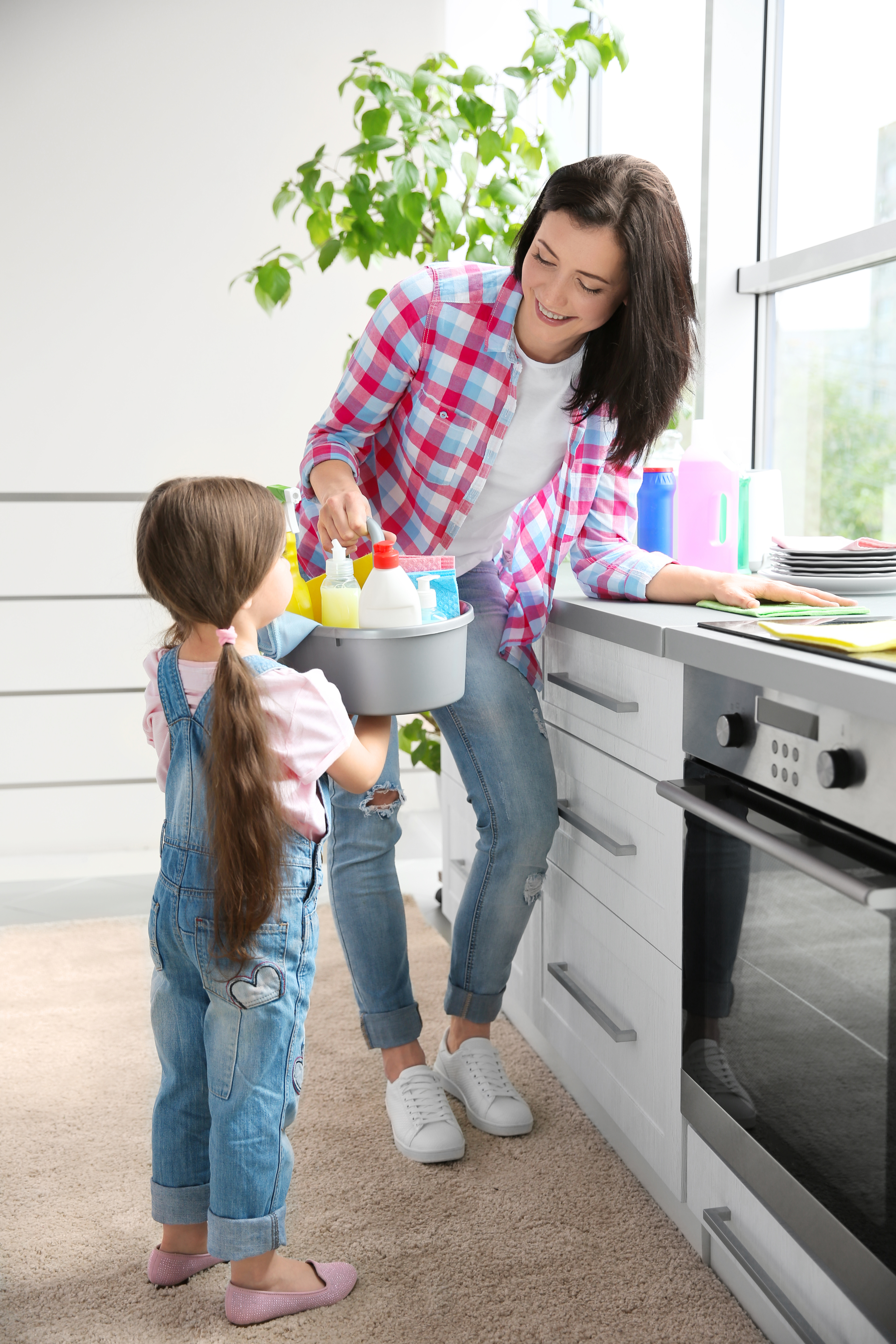 Four Easy Cleaning Tricks for Busy Moms