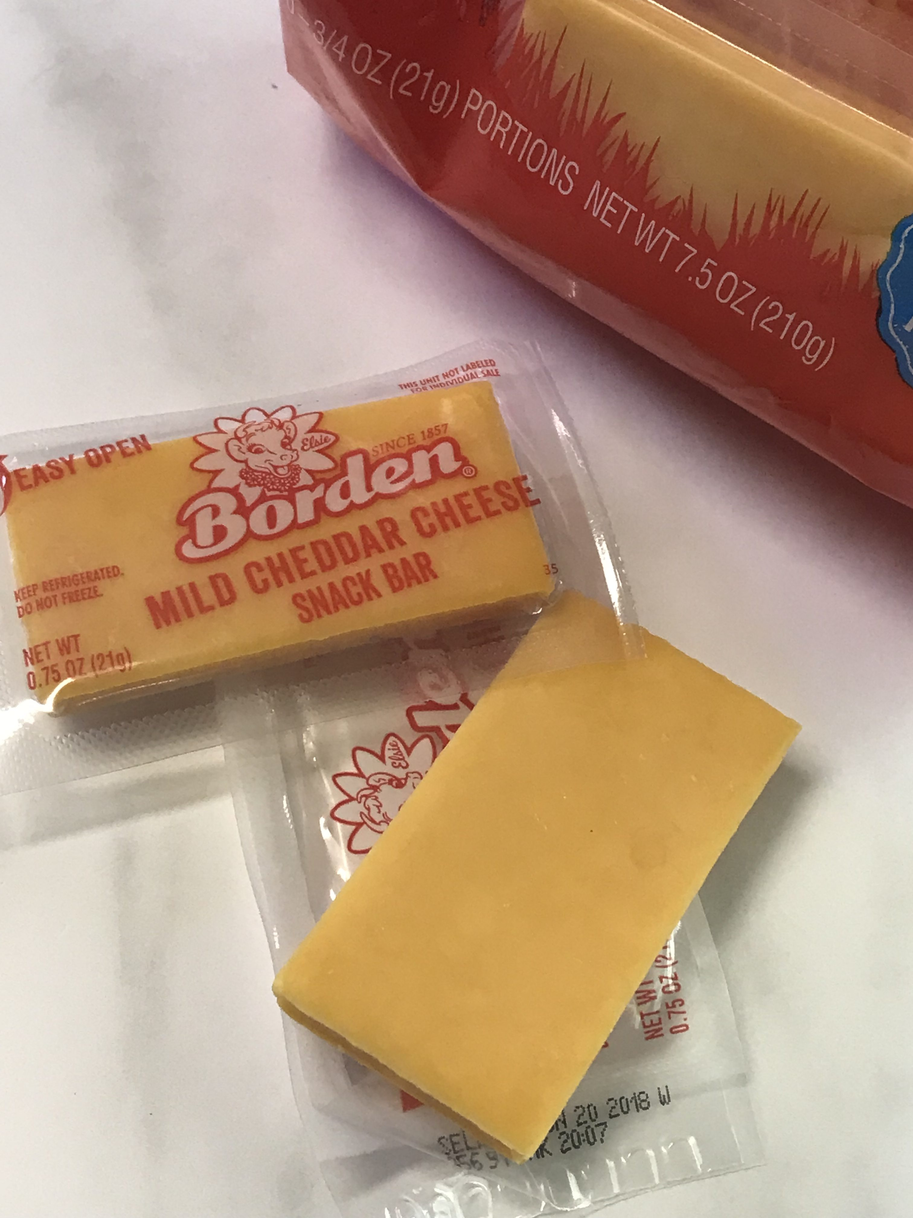 Need a great tasting snack? These Borden® Cheese Snack Bars are Great for Snacks on the Go #AD  #JuneDairyMonth #JuneDairyMonthBlog