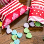 Valentine's Day Treat Holder | Homemade Valentine's Crafts