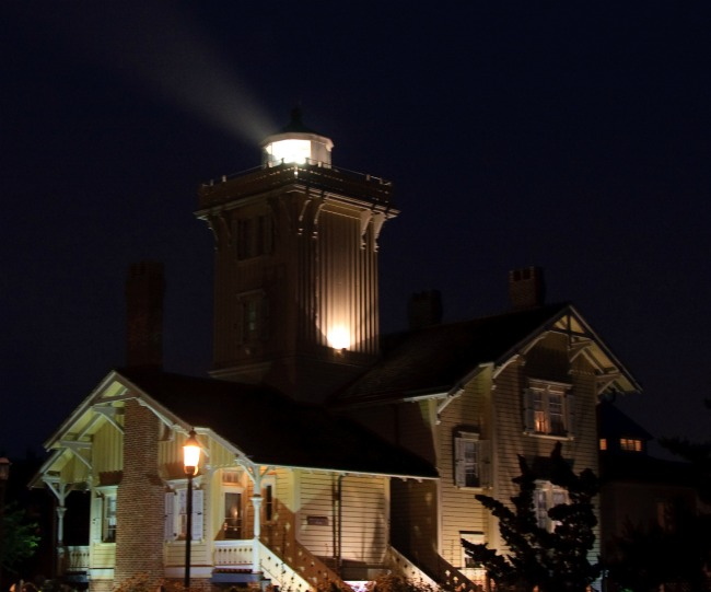 hereford inlet lighthouse at night