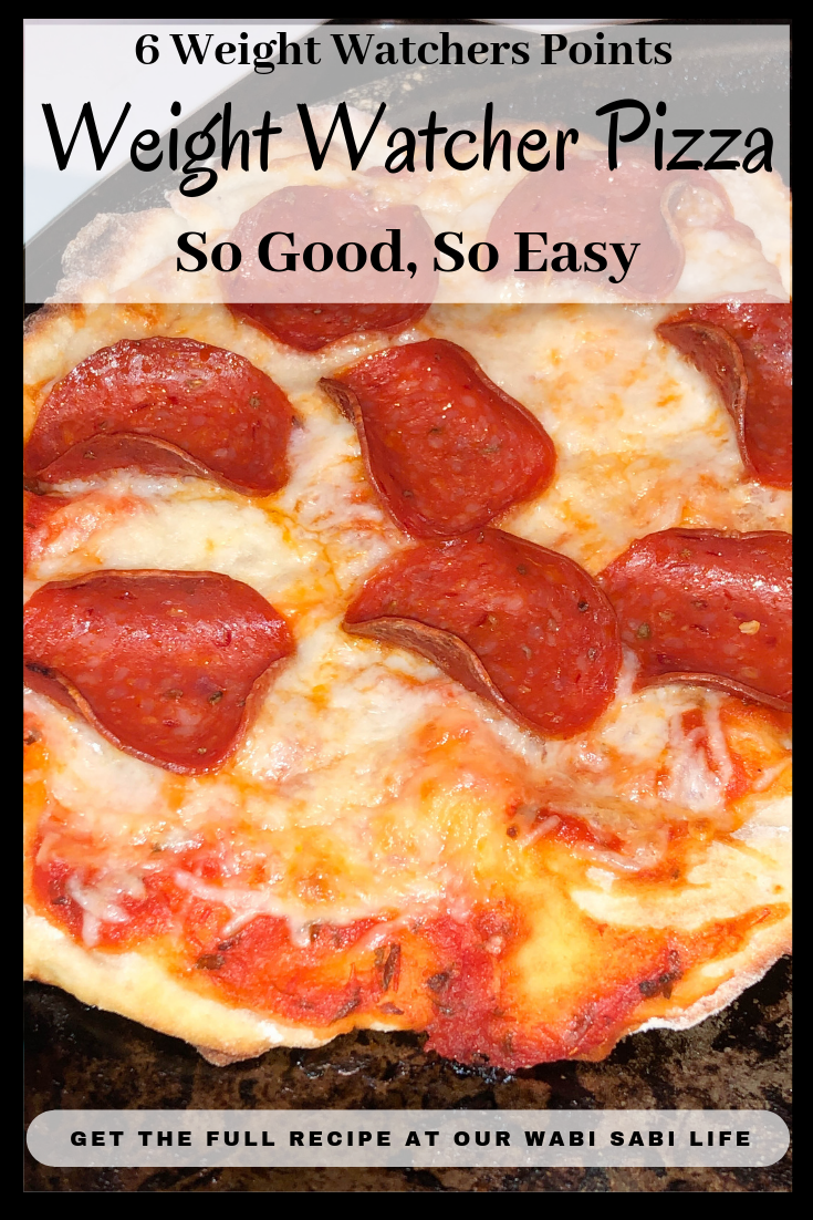 Looking for a way to have your pizza while still on Weight Watchers? Now you can. Weight Watchers pizza is easy to make using this Weight Watchers pizza recipe. Only 6 points per pizza, this is the best pizza for Weight Watchers points.  #WeightWatchers #dinner #pizza