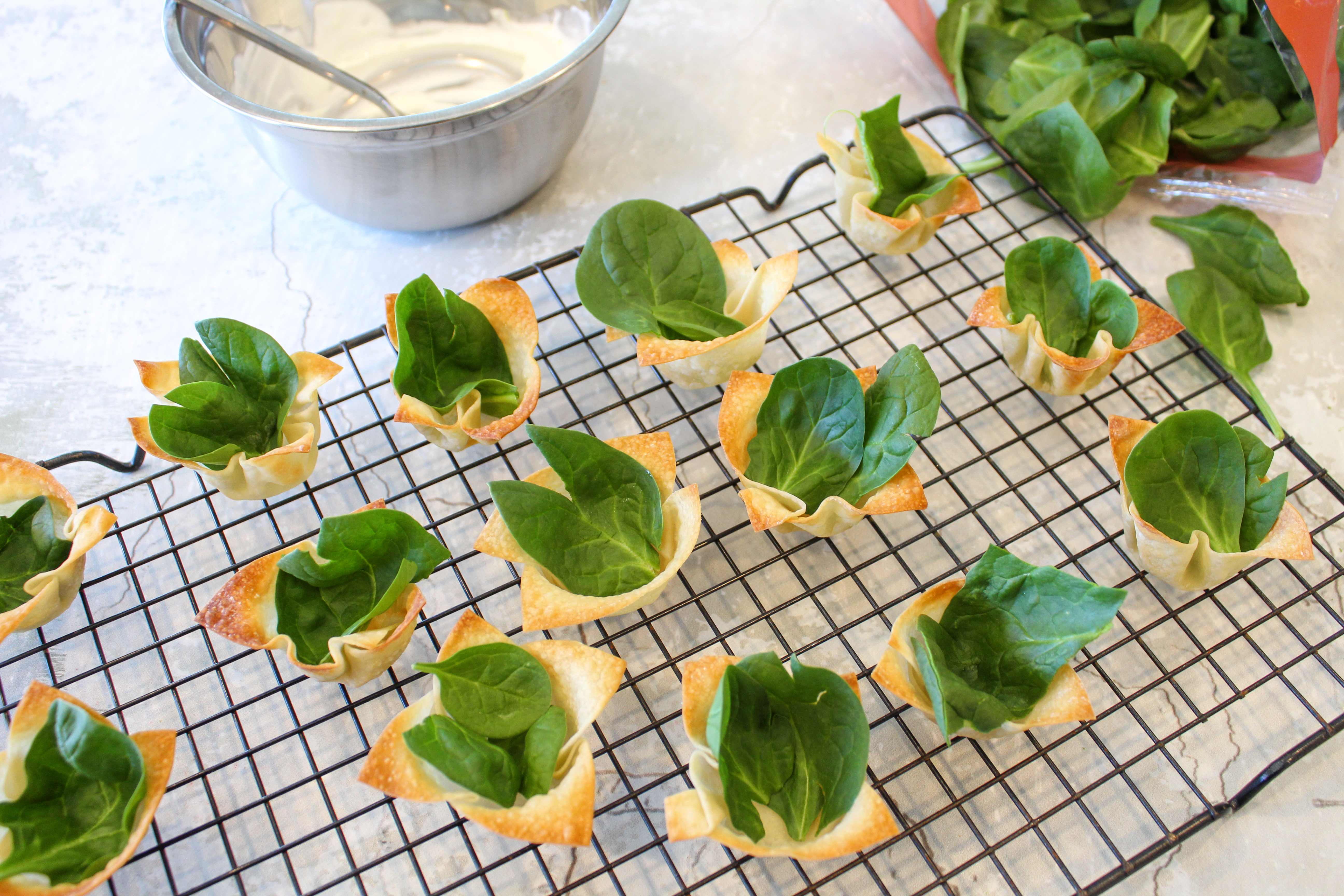 spinach in wonton cup