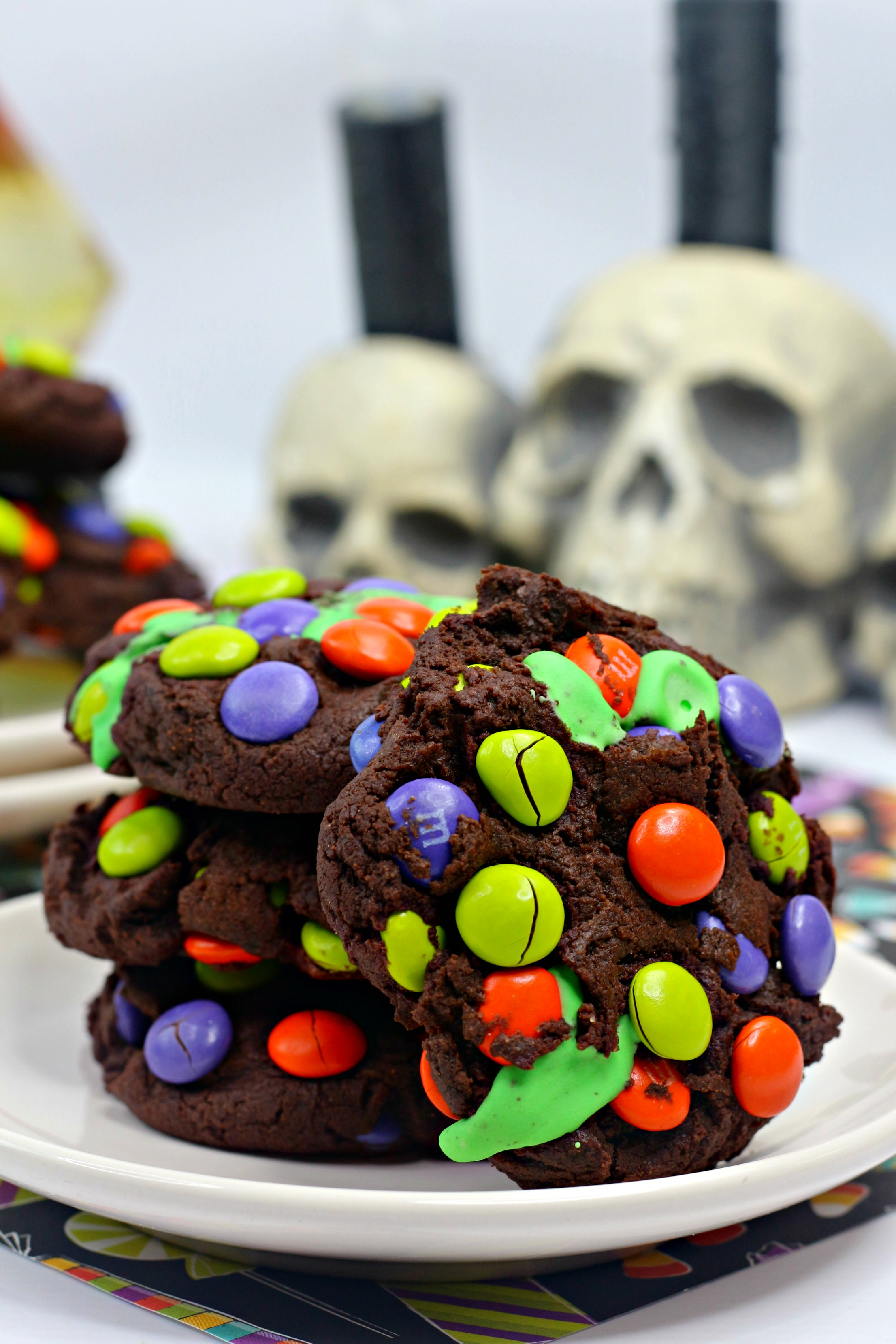 Hocus Pocus cookies, chocolate cookies with MMS