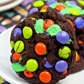 Hocus Pocus cookies, chocolate cookies with MMS
