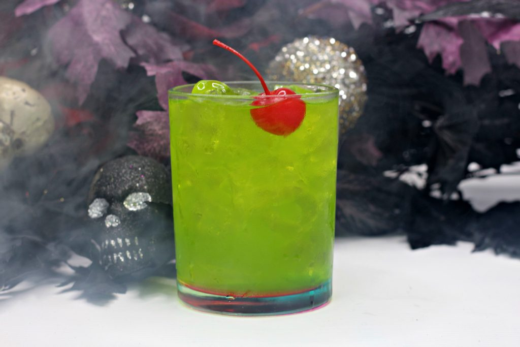 Easy Hocus Pocus Cocktail for Halloween
