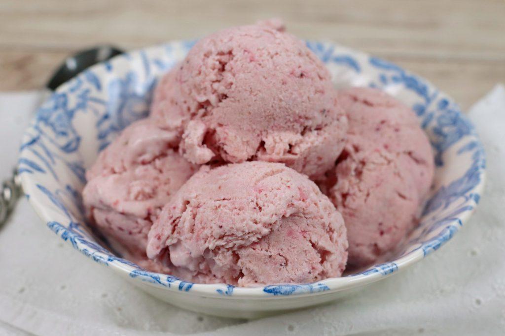 WW No Churn Strawberry Ice Cream