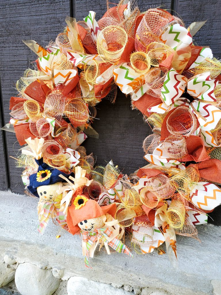 Easy Scarecrow Wreath for Fall