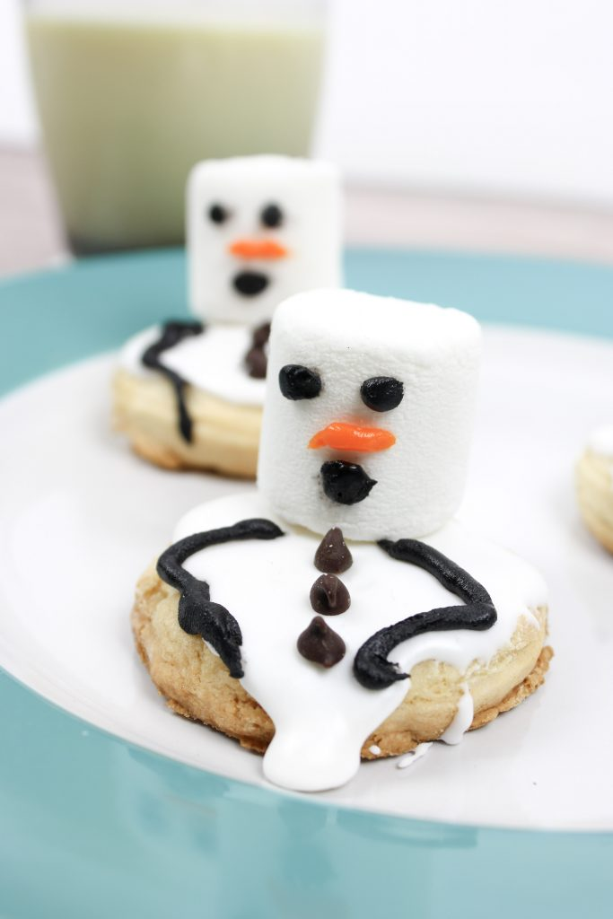 How to Make Simply Adorable Melting Snowman Cookies