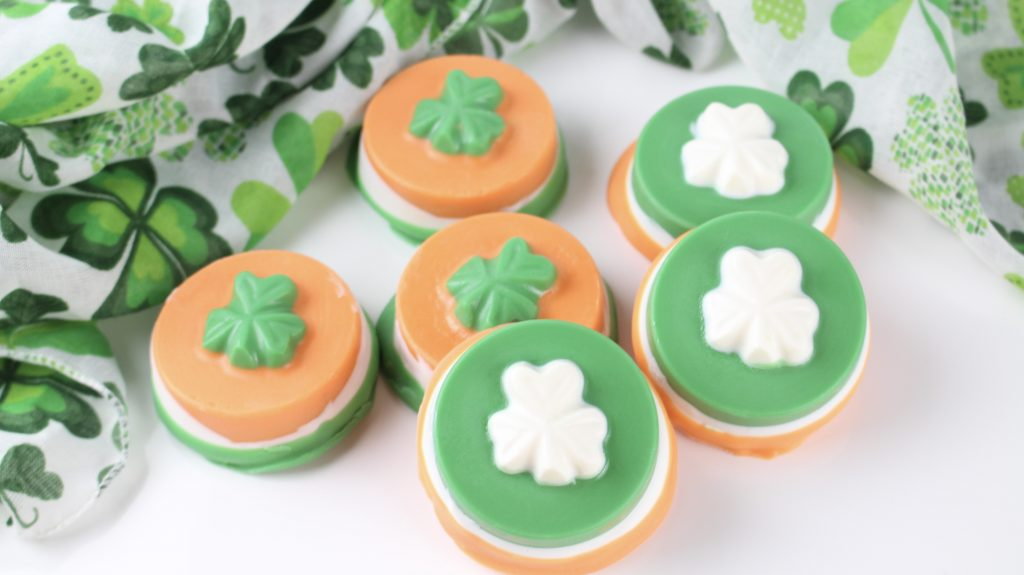 shamrock cookies together