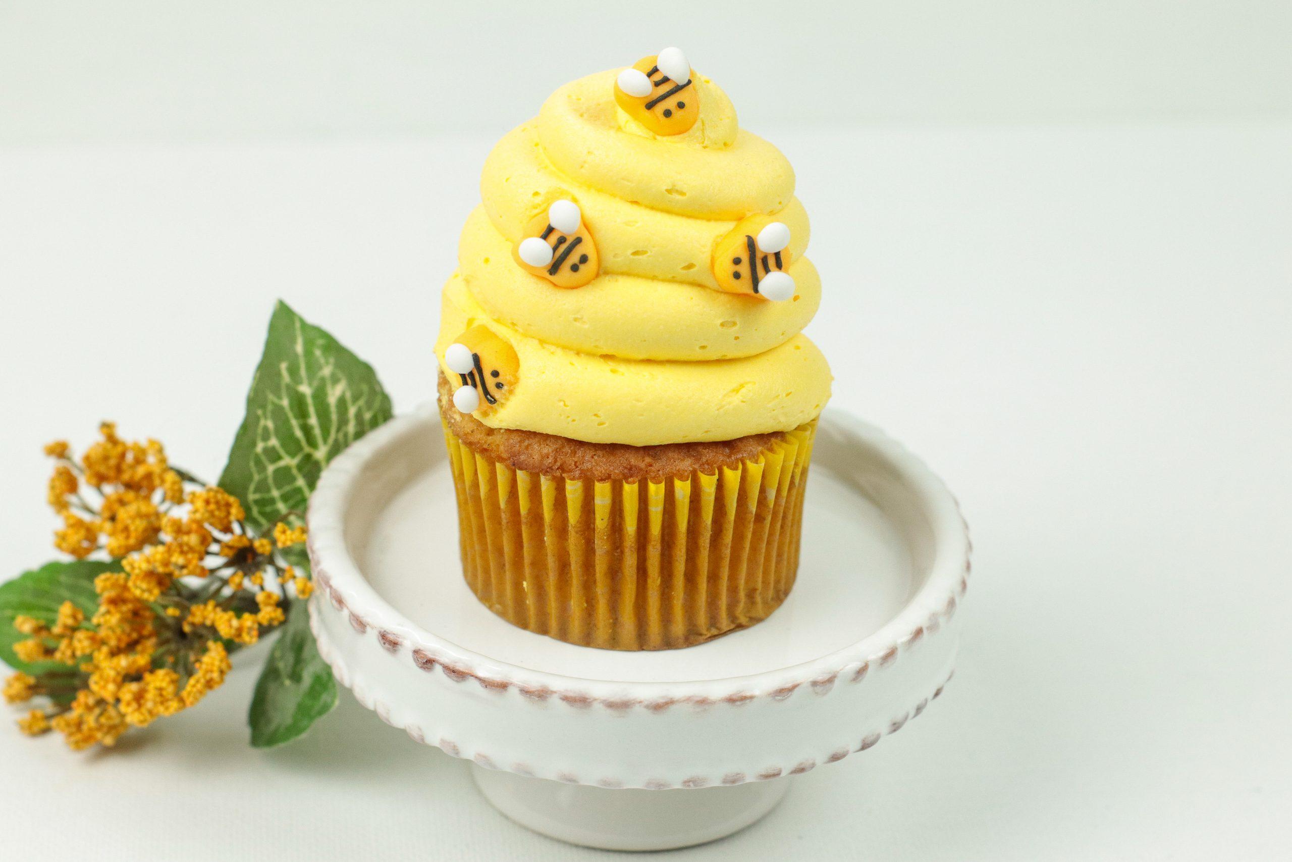 Honey Cinnamon Bumblebee Cupcakes on a serving dish.