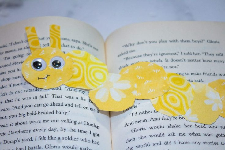How to Make Easy Bookworm Paper Bookmarks for Kids