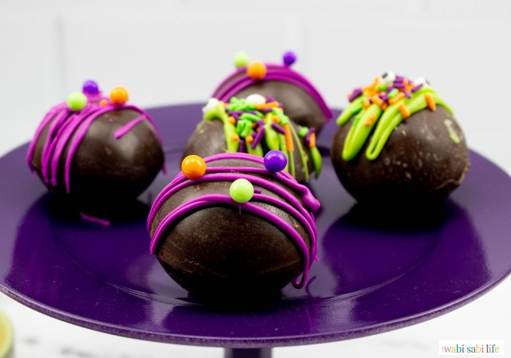 A close up of the cocoa bombs.